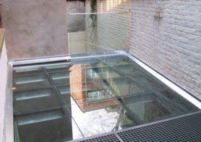 Terrasse en dalle de sol en verre marchable